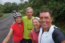 Treffen im Hochlands Costa Ricas - Vera und Josef aus Deutschland beradeln Costa Rica und Panama